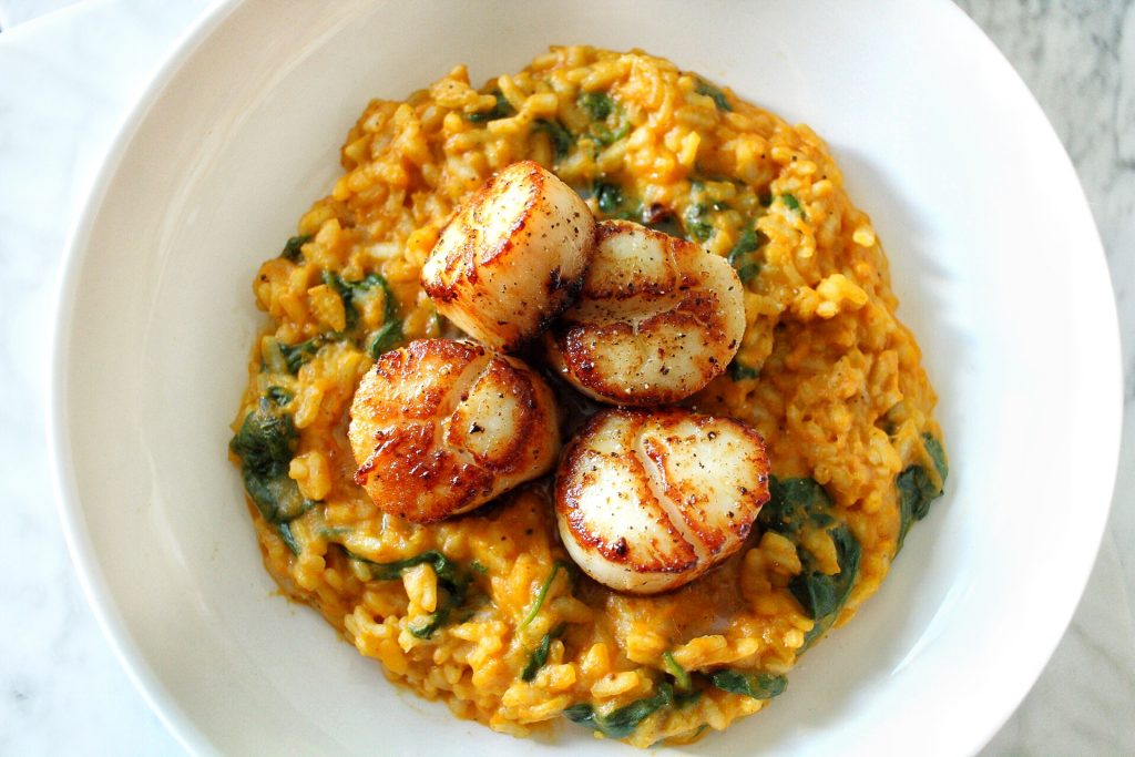 pumpkin and spinach risotto with seared scallops