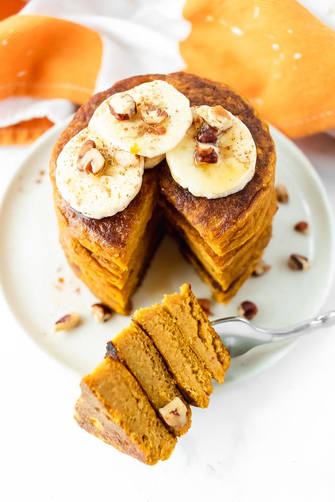 the best healthy pumpkin pancakes