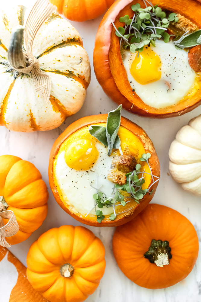 how to bake eggs in a pumpkin