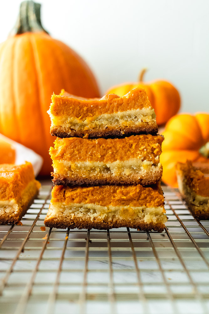 paleo pumpkin pie shortbread bars