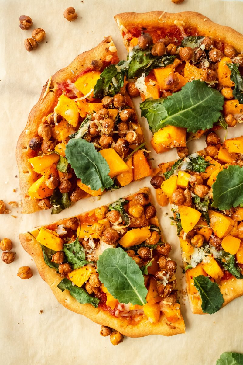 gluten free butternut squash pizza with roasted chickpeas