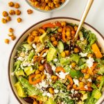 greek quinoa salad with crispy chickpeas
