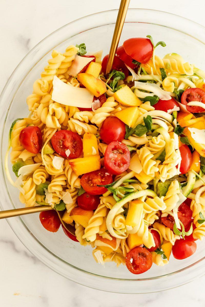 tomato peach pasta salad