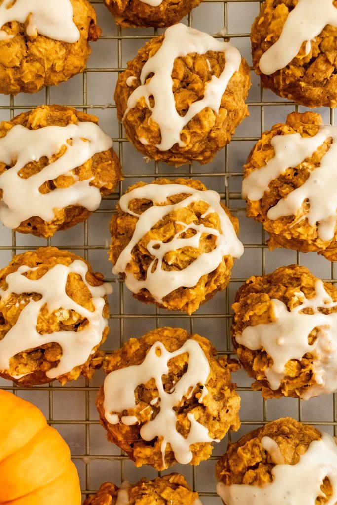 healthy-soft-pumpkin-oatmeal-cookies