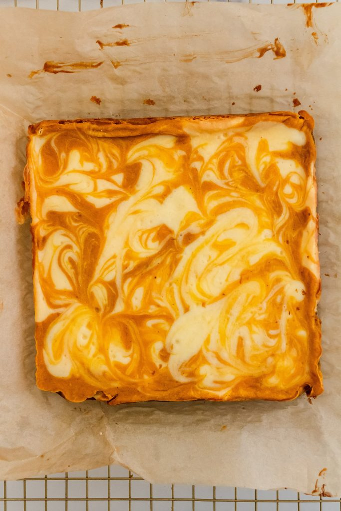 how to make pumpkin swirl cheesecake bars