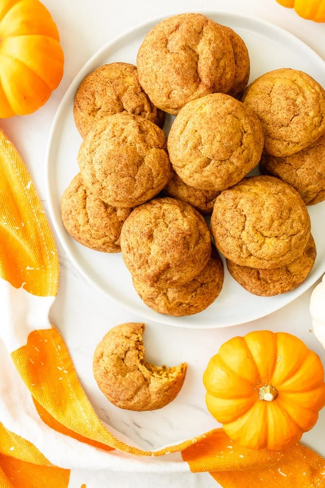 best pumpkin snickerdoodle cookies. Fluffy and soft in the middle with crispy edges and made with pumpkin and pumpkin spice