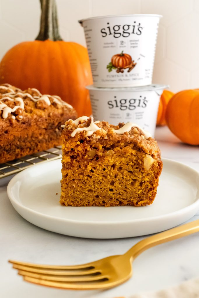 pumpkin coffee cake made with siggi's pumpkin & spice yogurt