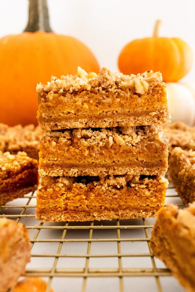 simple and delicious pumpkin pie bars made with healthier ingredients