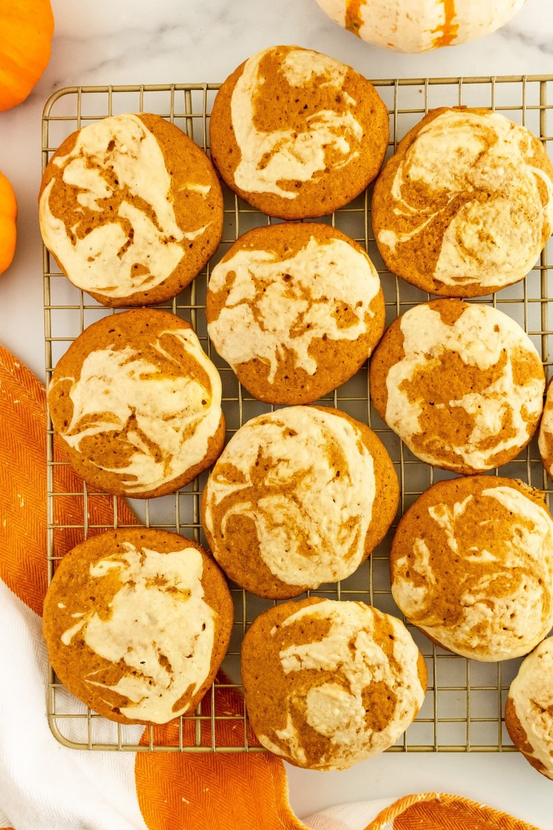 thin and crispy pumpkin cheesecake cookies