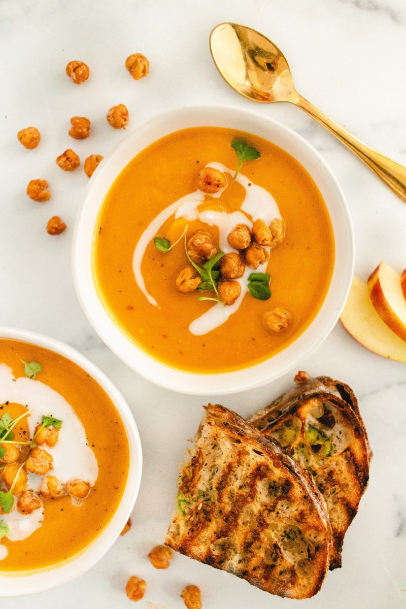 dairy-free butternut squash soup with apple
