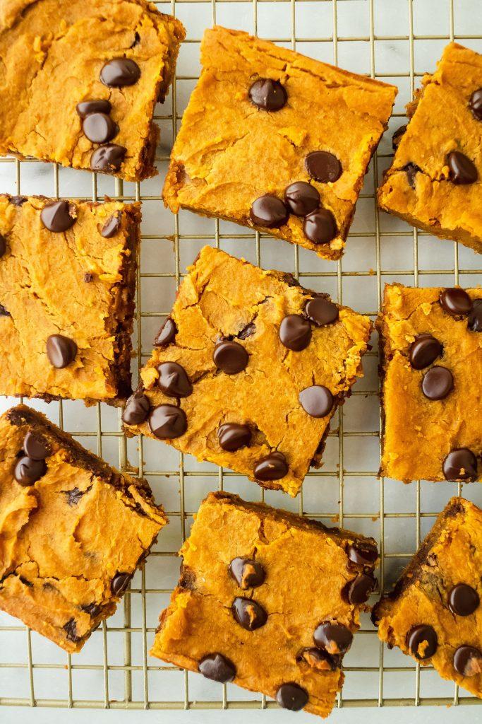gluten and dairy free chickpea pumpkin blondies