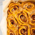 pumpkin-spice-cinnamon-rolls-with-cinnamon-mascarpone-frosting